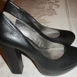 Gianni Bini womens black platform heels 8.5M